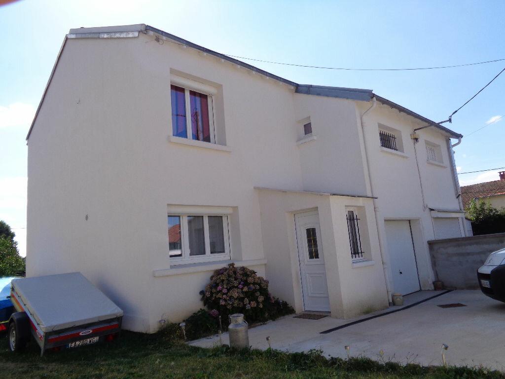 Achat Maison 4 pièces à Saint-Gervais-d'Auvergne - vignette-1