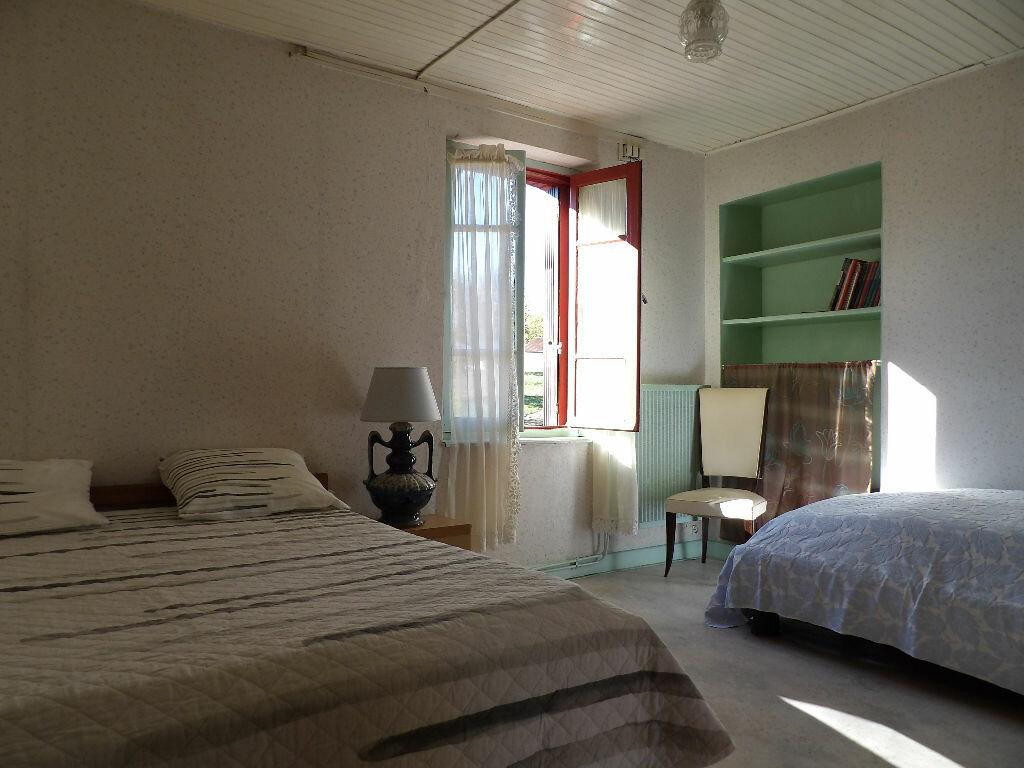 Achat Maison 7 pièces à Saint-Éloy-les-Mines - vignette-3