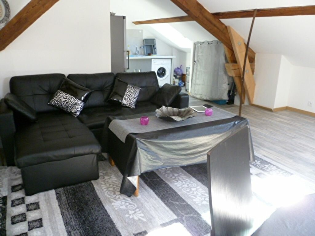 Location Appartement 2 pièces à Saint-Étienne-de-Saint-Geoirs - vignette-1