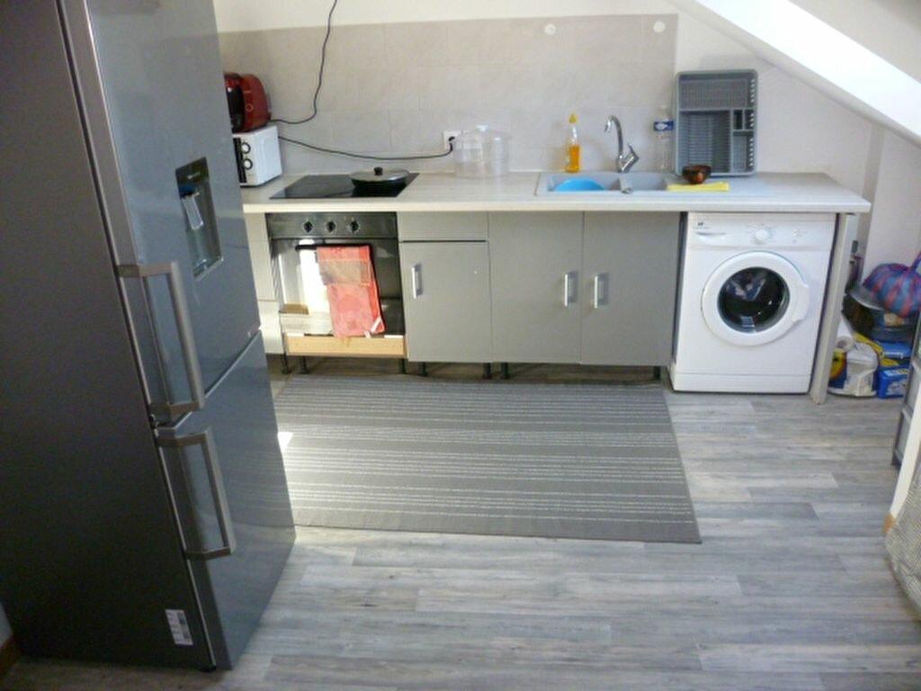Location Appartement 2 pièces à Saint-Étienne-de-Saint-Geoirs - vignette-3