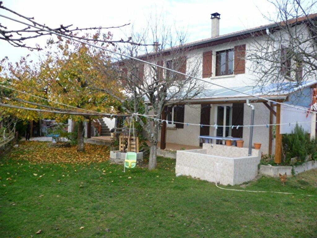 Achat Maison 9 pièces à Saint-Siméon-de-Bressieux - vignette-1