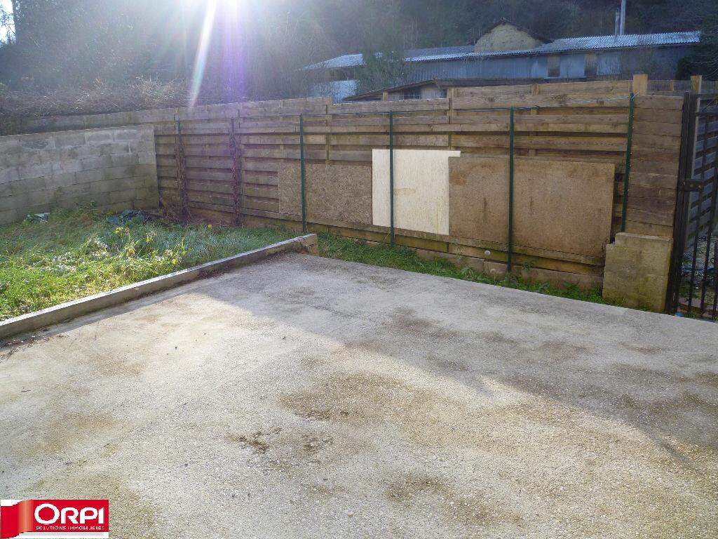 Achat Maison 4 pièces à Saint-Étienne-de-Saint-Geoirs - vignette-6