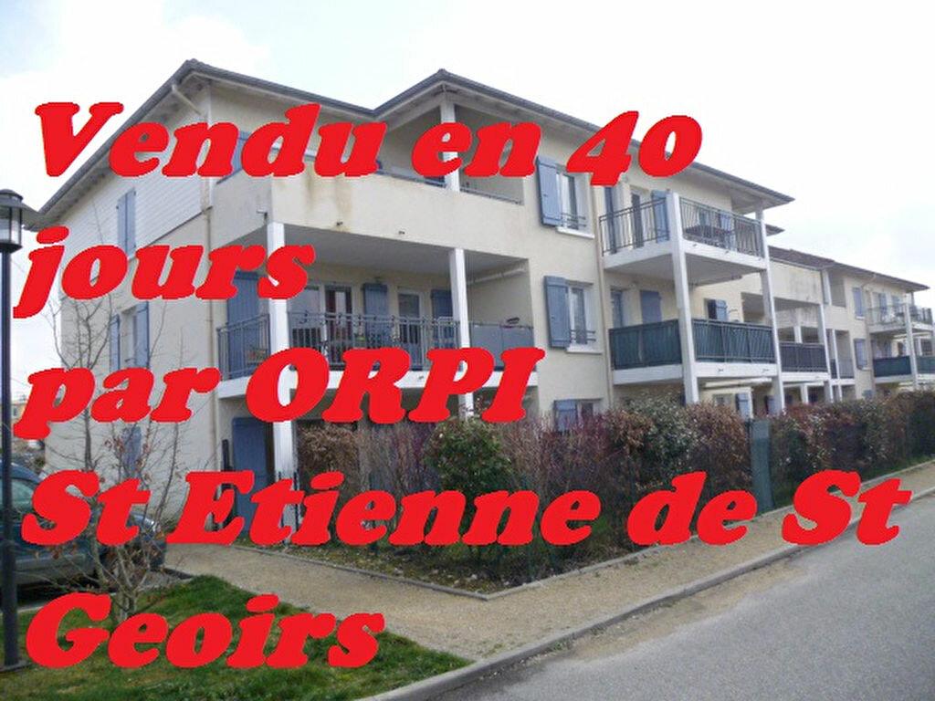 Achat Appartement 2 pièces à Saint-Étienne-de-Saint-Geoirs - vignette-1