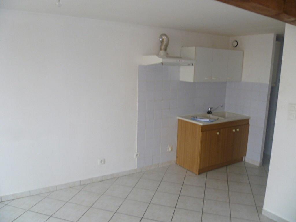 Location Appartement 2 pièces à Roybon - vignette-1