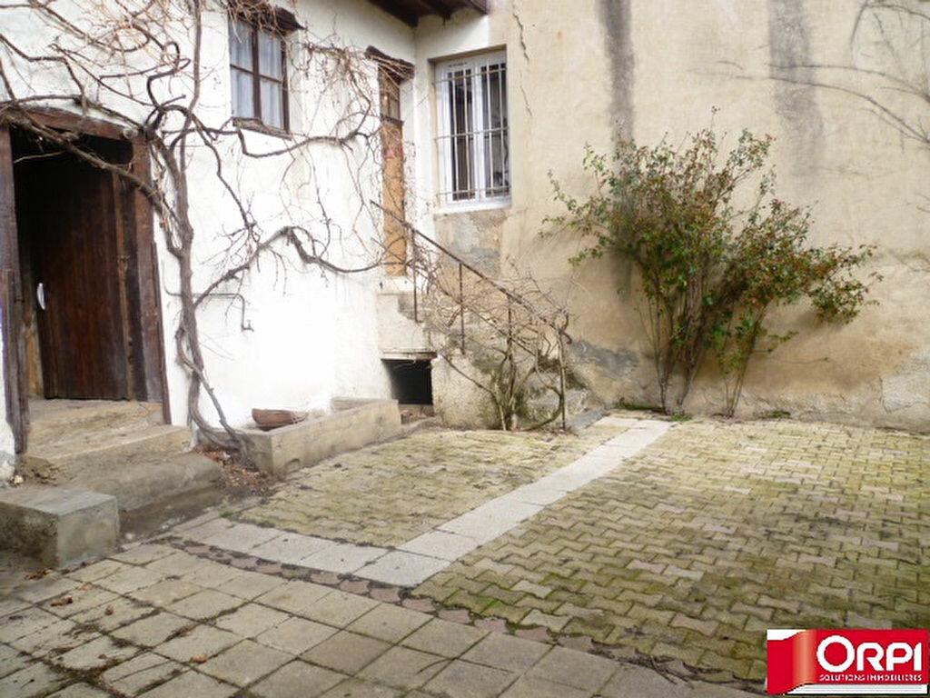 Achat Maison 5 pièces à La Côte-Saint-André - vignette-3