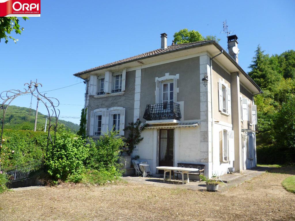 Achat Maison 8 pièces à Le Grand-Lemps - vignette-1