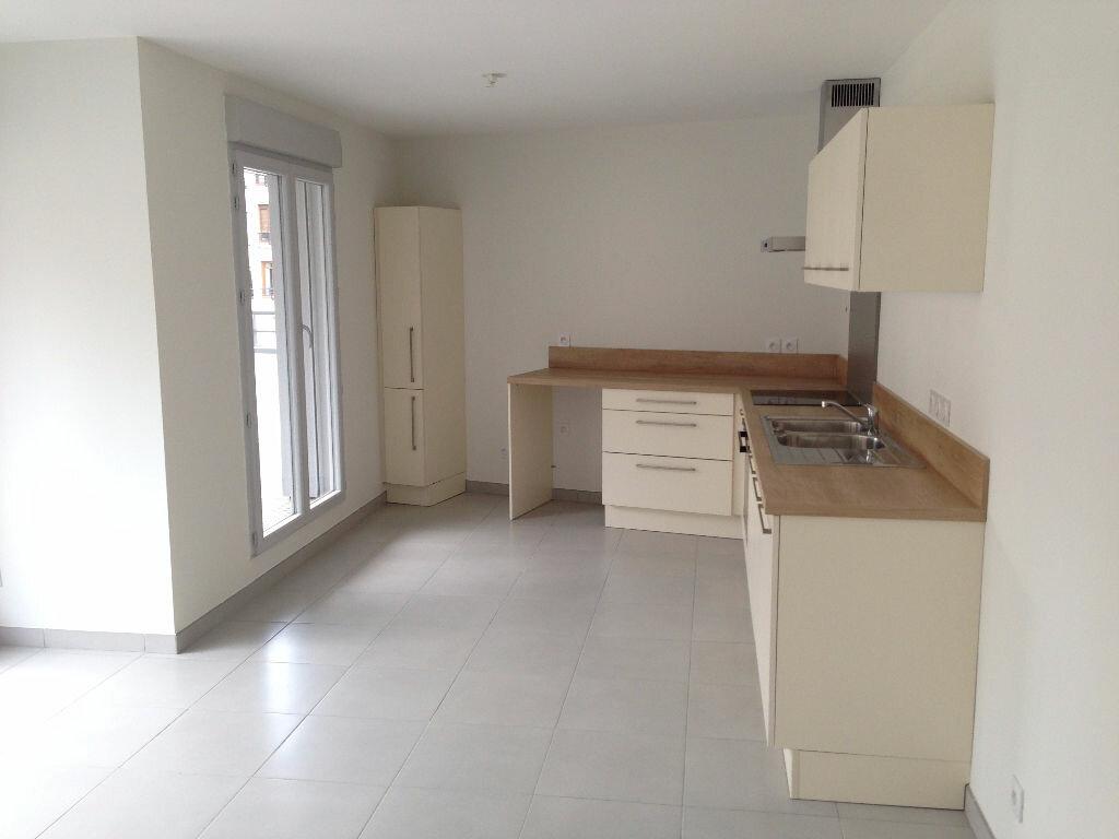 Location Appartement 3 pièces à Voiron - vignette-1