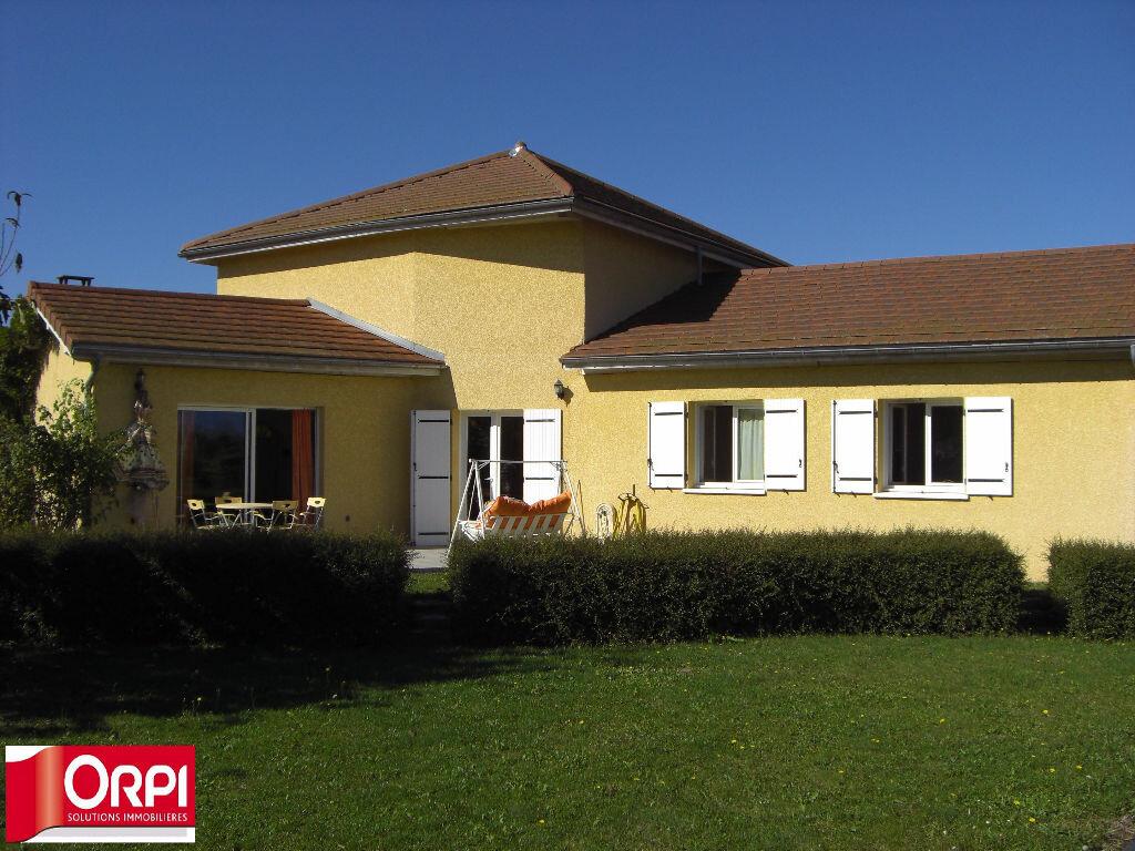 Achat Maison 6 pièces à Saint-Étienne-de-Saint-Geoirs - vignette-1