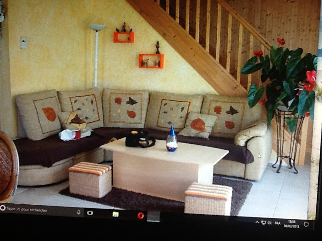 Achat Maison 4 pièces à Saint-Hilaire-de-la-Côte - vignette-1