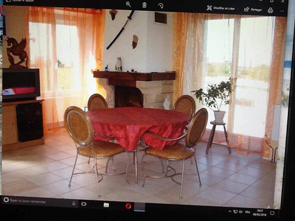 Achat Maison 4 pièces à Saint-Hilaire-de-la-Côte - vignette-2