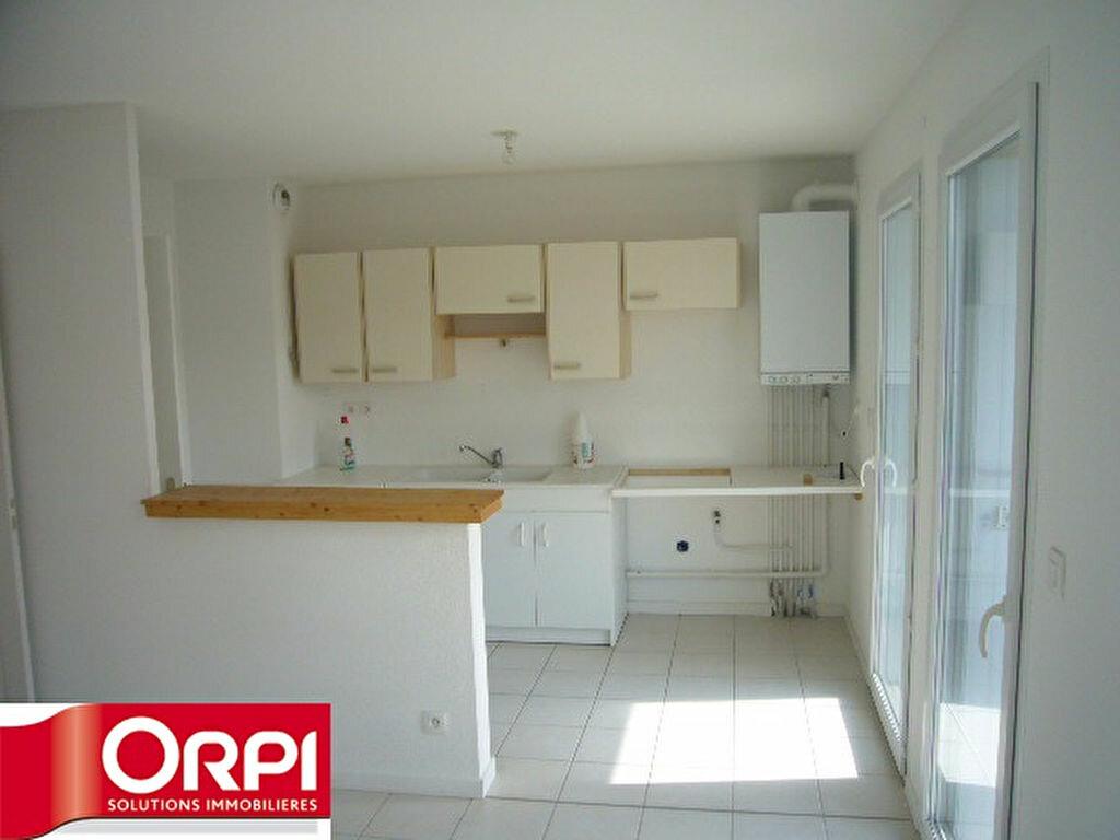 Achat Appartement 2 pièces à Saint-Étienne-de-Saint-Geoirs - vignette-3