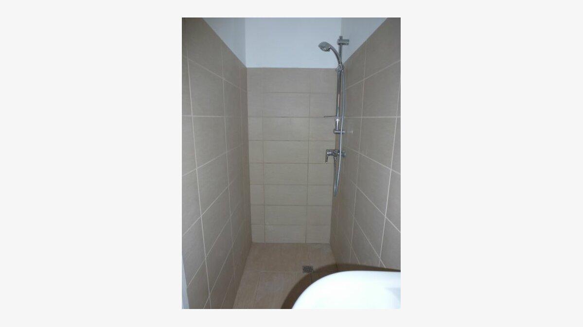 Location Appartement 2 pièces à Valence - vignette-3