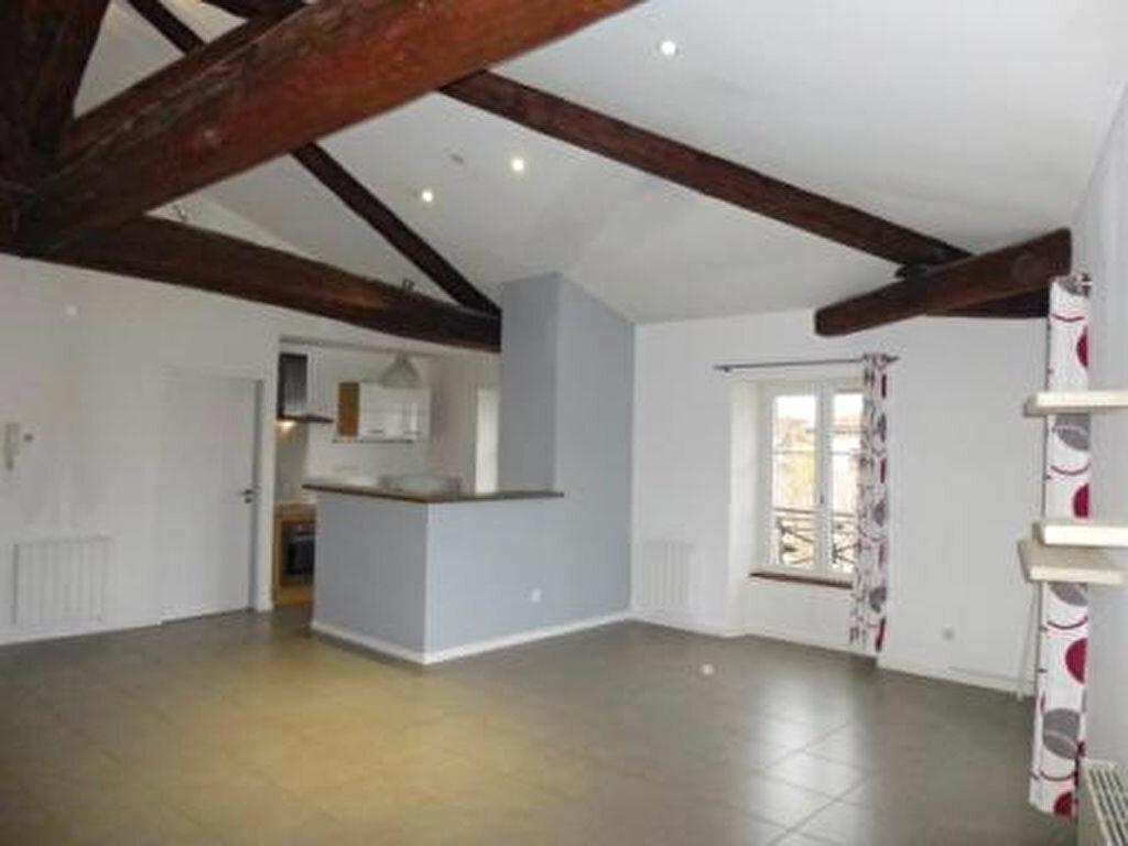 Location Appartement 4 pièces à Romans-sur-Isère - vignette-1