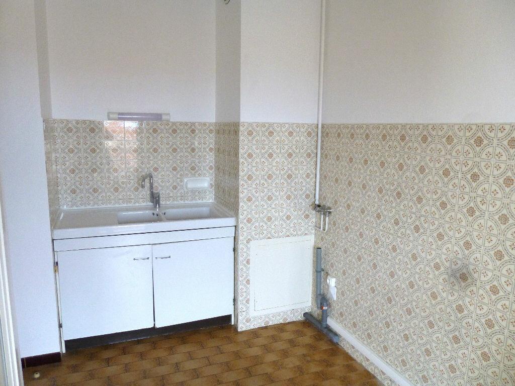 Location Appartement 1 pièce à Romans-sur-Isère - vignette-2
