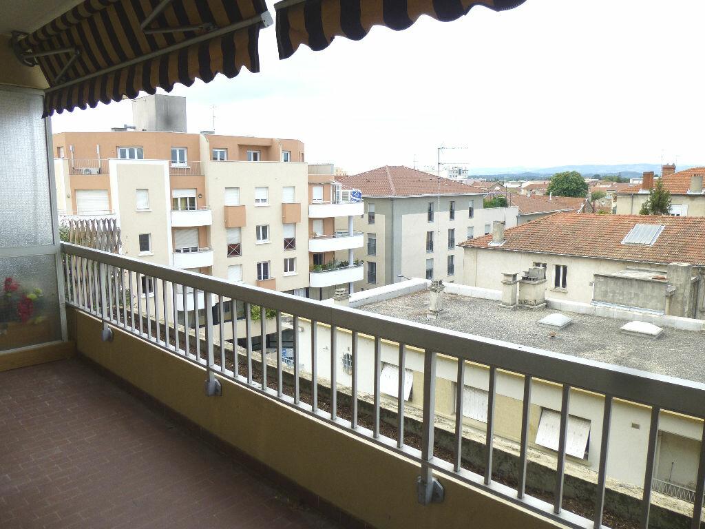 Location Appartement 1 pièce à Romans-sur-Isère - vignette-6
