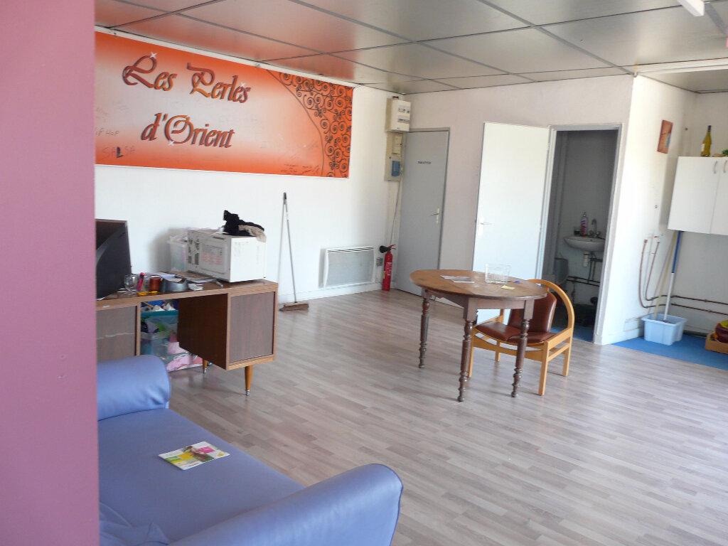 Location Local commercial  à Mours-Saint-Eusèbe - vignette-2