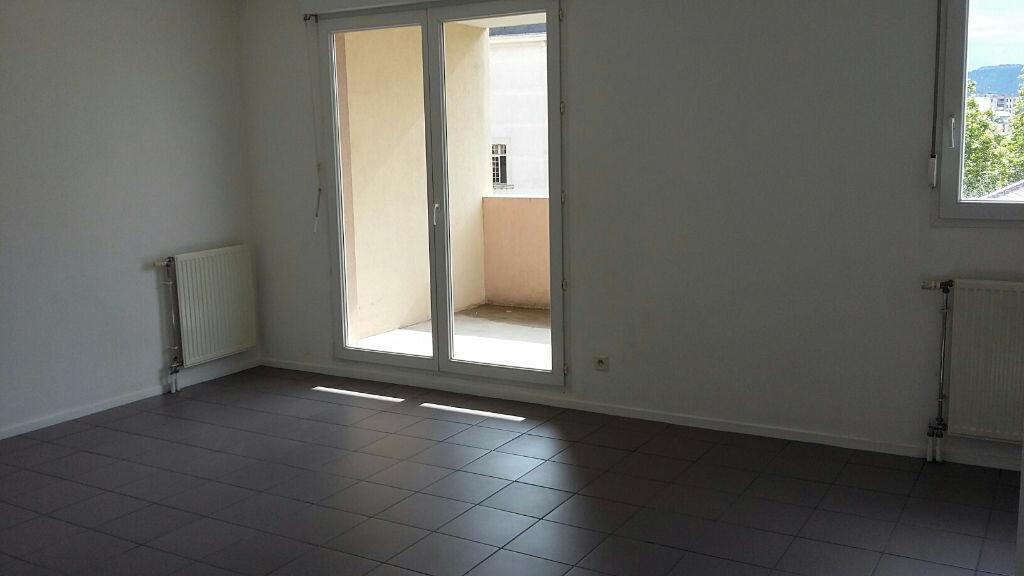 Location Appartement 3 pièces à Valence - vignette-1