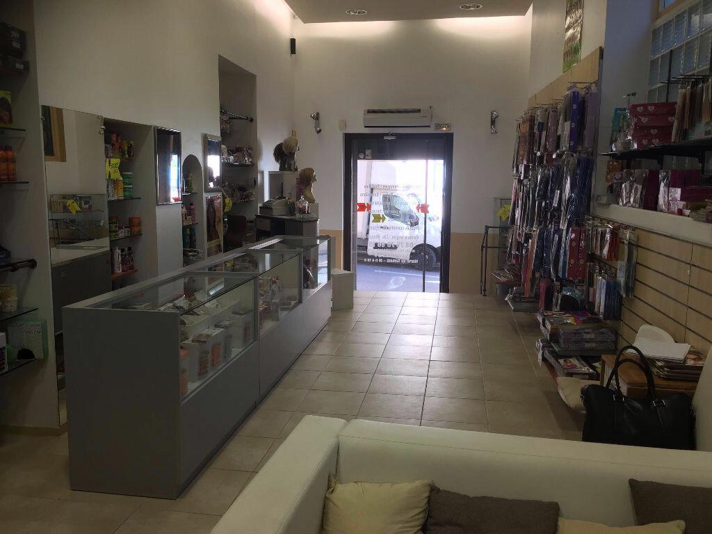 Location Local commercial  à Romans-sur-Isère - vignette-2
