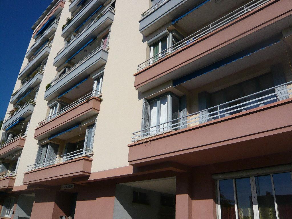 Achat Appartement 5 pièces à Romans-sur-Isère - vignette-1