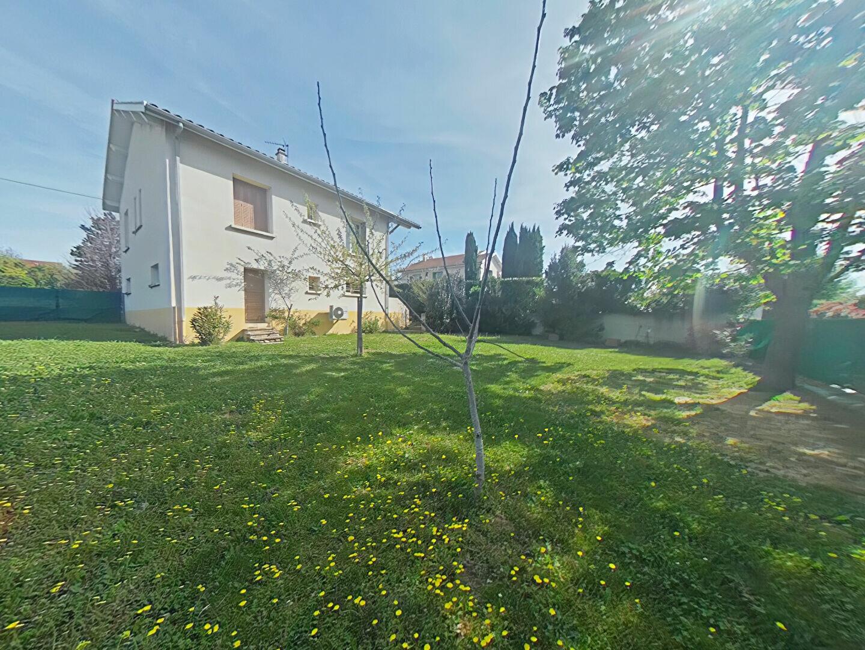 Location Appartement 3 pièces à Mours-Saint-Eusèbe - vignette-1