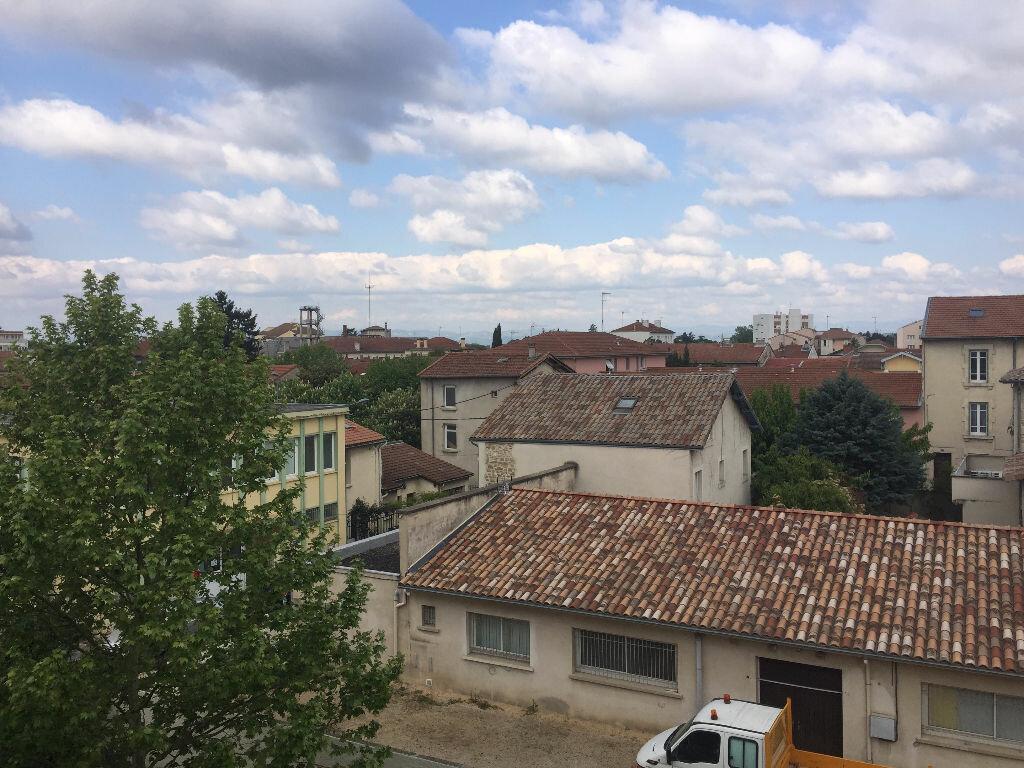 Achat Appartement 2 pièces à Romans-sur-Isère - vignette-6