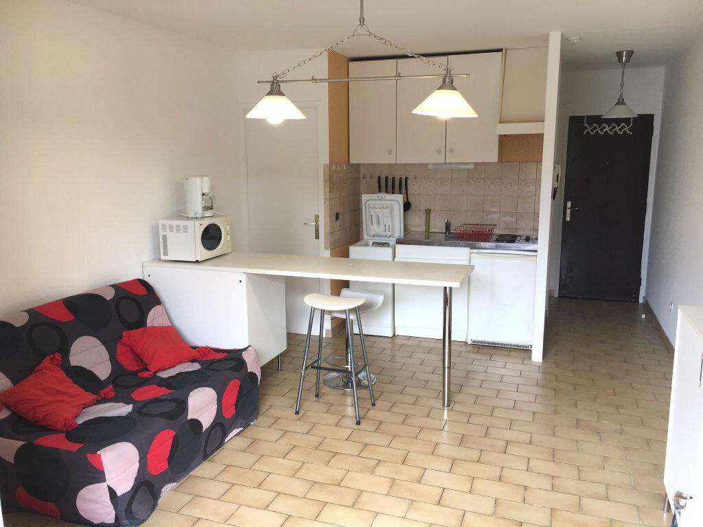 Location Appartement 1 pièce à Montélimar - vignette-1