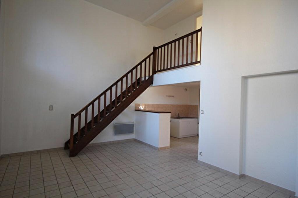 Achat Appartement 3 pièces à Joyeuse - vignette-2