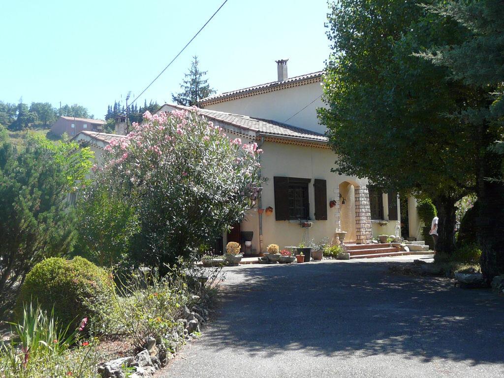 Achat Maison 10 pièces à Saint-Maurice-d'Ardèche - vignette-4