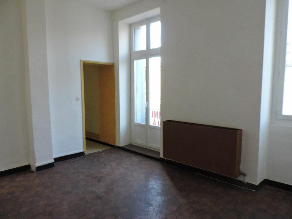 Achat Appartement 5 pièces à Saint-Ambroix - vignette-1