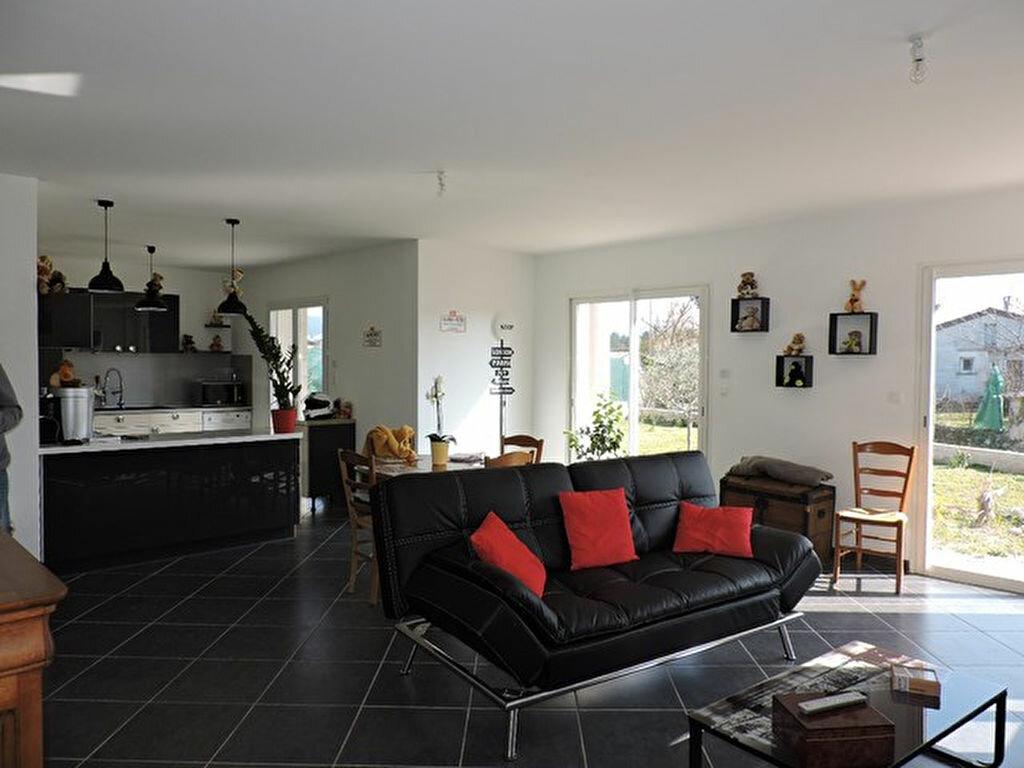 Achat Maison 4 pièces à Vallon-Pont-d'Arc - vignette-1