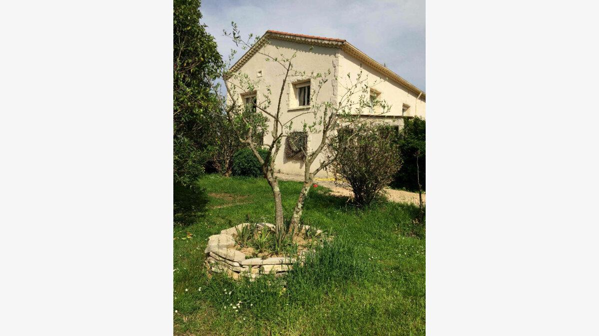 Achat Maison 7 pièces à Saint-Privat-des-Vieux - vignette-1