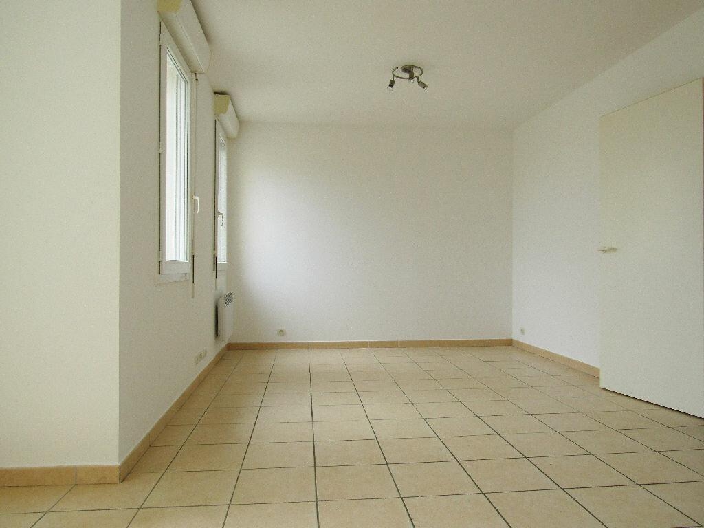Location Appartement 3 pièces à Mudaison - vignette-1