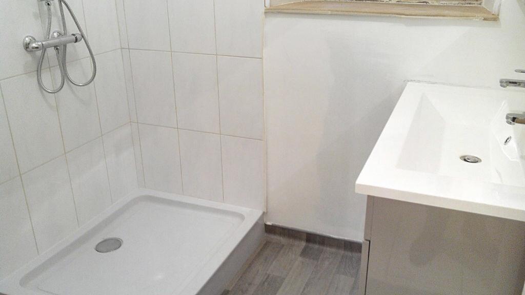 Achat Maison 8 pièces à Saint-Priest-en-Murat - vignette-10