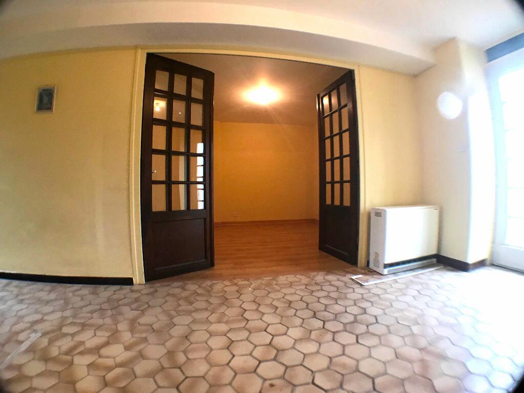 Achat Maison 3 pièces à Montmarault - vignette-3