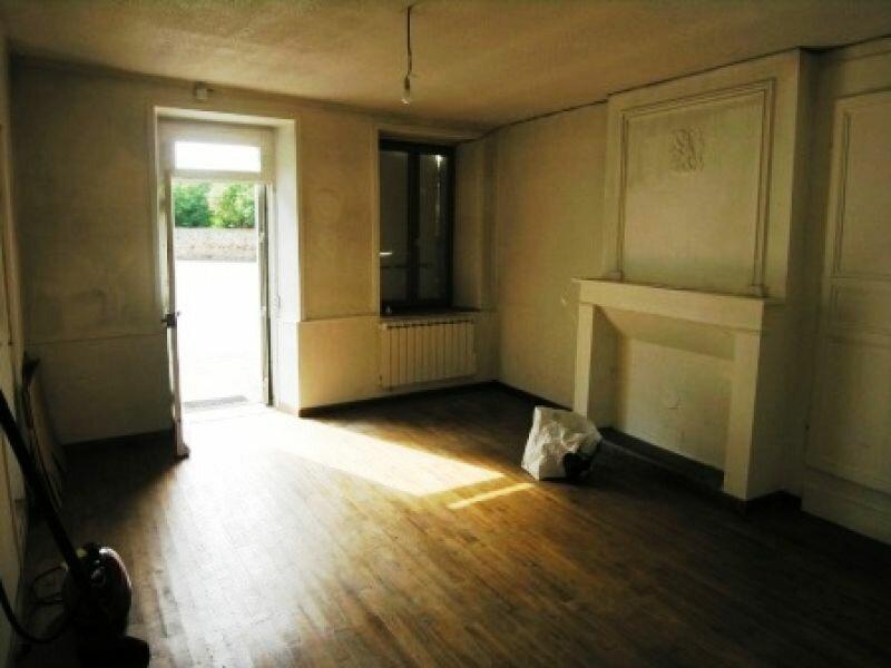 Location Appartement 1 pièce à Chambon-sur-Voueize - vignette-1