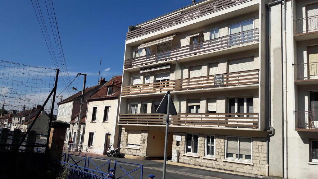 Achat Appartement 1 pièce à Montluçon - vignette-1