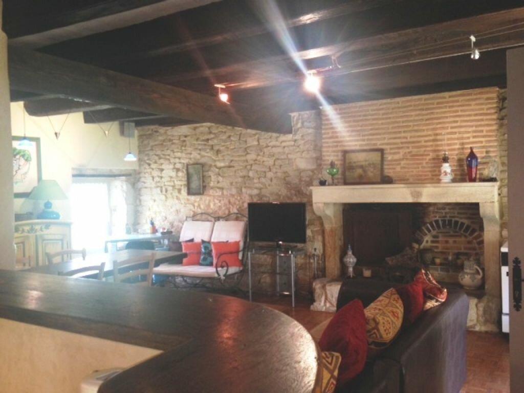 Achat Maison 7 pièces à Saint-Amand-Montrond - vignette-8