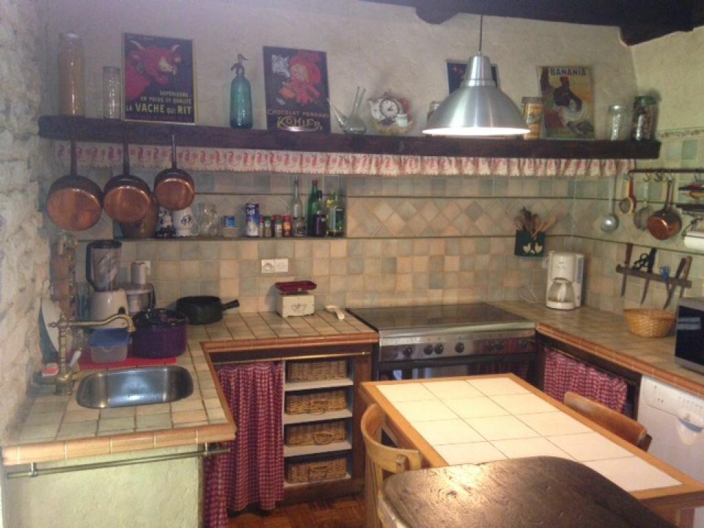 Achat Maison 7 pièces à Saint-Amand-Montrond - vignette-9