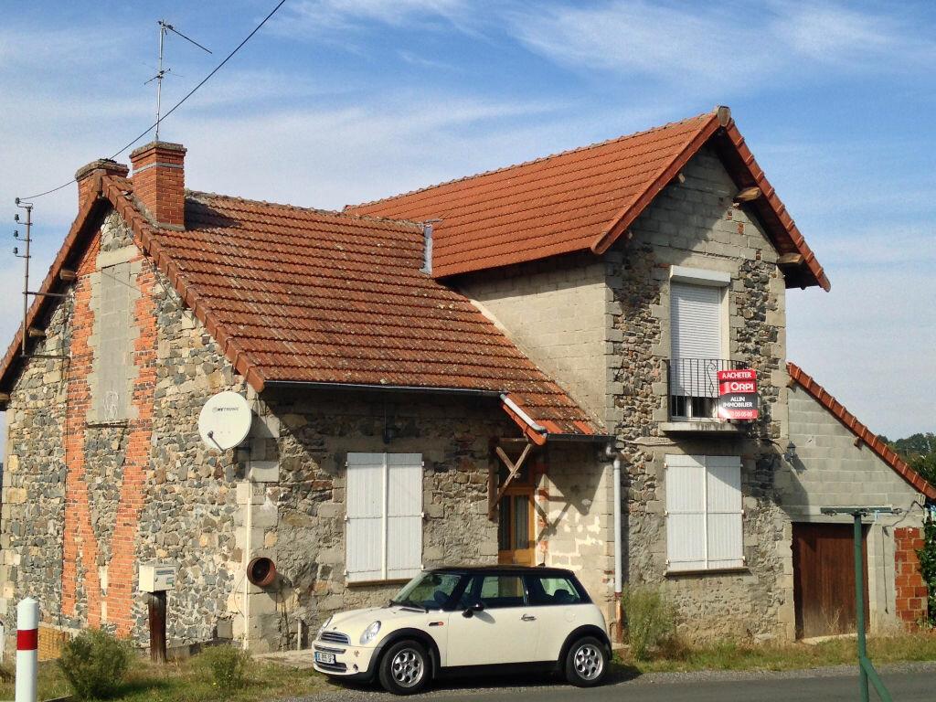 Achat Maison 4 pièces à Lavault-Sainte-Anne - vignette-1