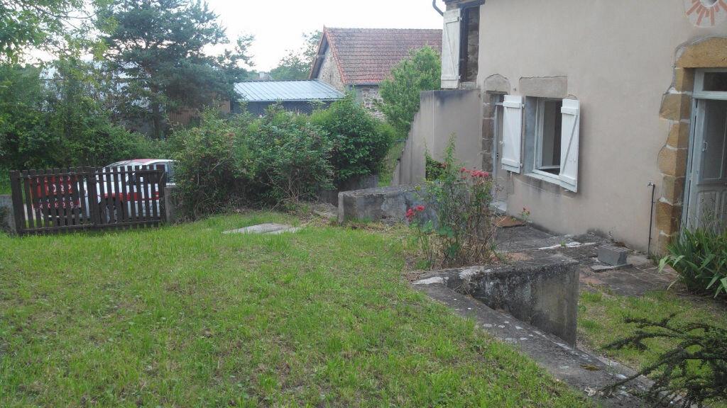 Achat Maison 3 pièces à Saint-Priest-en-Murat - vignette-17
