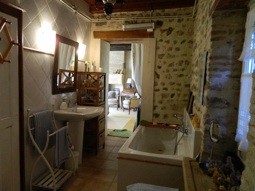 Achat Maison 6 pièces à Saint-Amand-Montrond - vignette-5