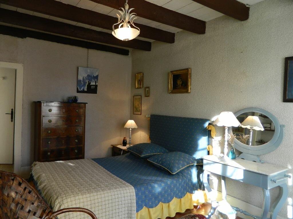 Achat Maison 6 pièces à Saint-Amand-Montrond - vignette-11