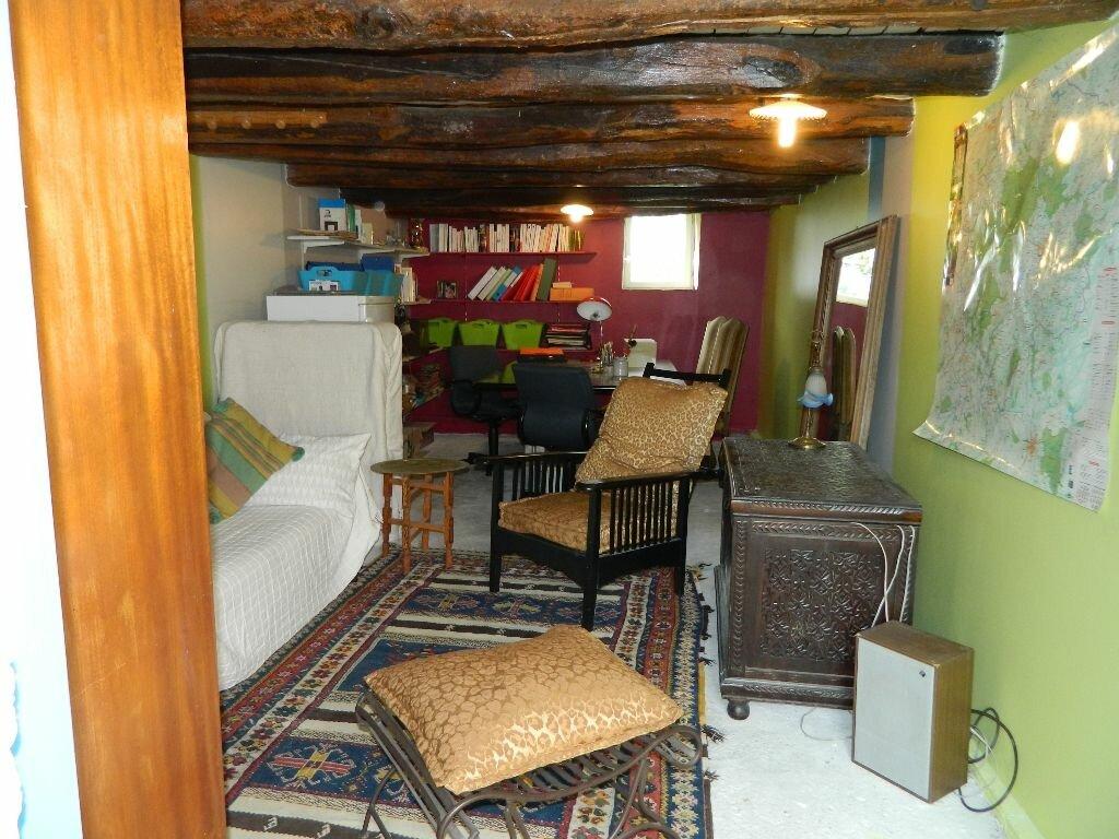 Achat Maison 6 pièces à Saint-Amand-Montrond - vignette-16