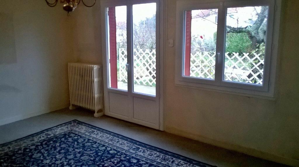 Achat Maison 6 pièces à Néris-les-Bains - vignette-3