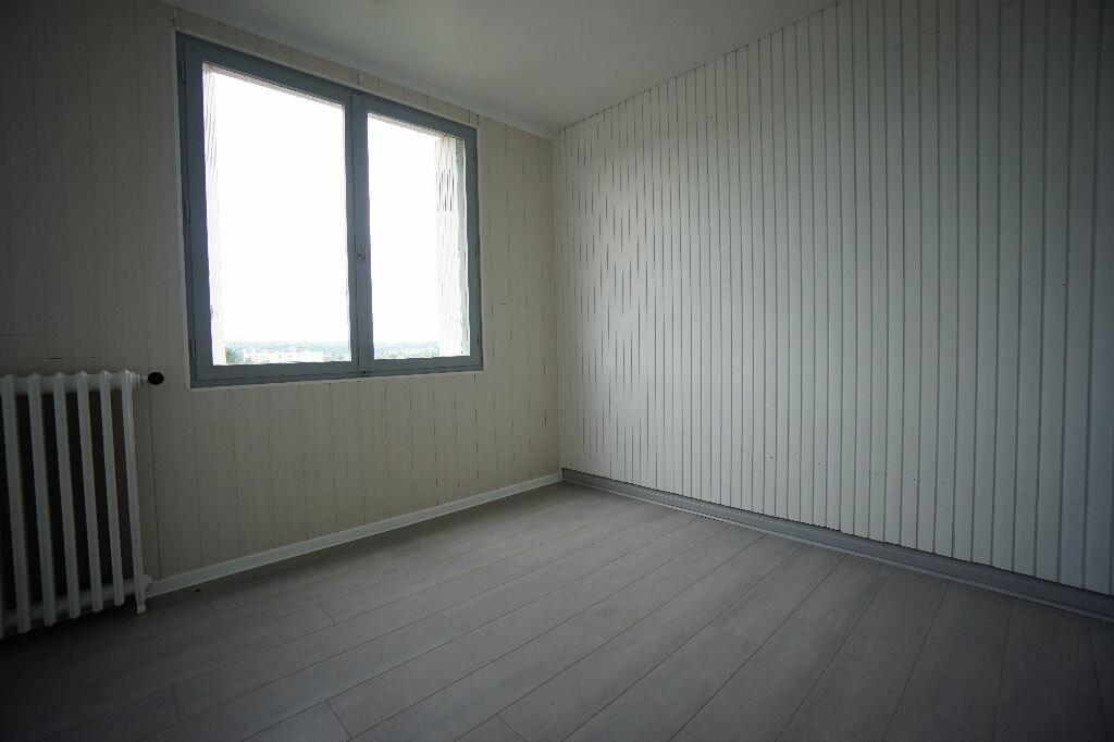 Achat Appartement 3 pièces à Montluçon - vignette-6