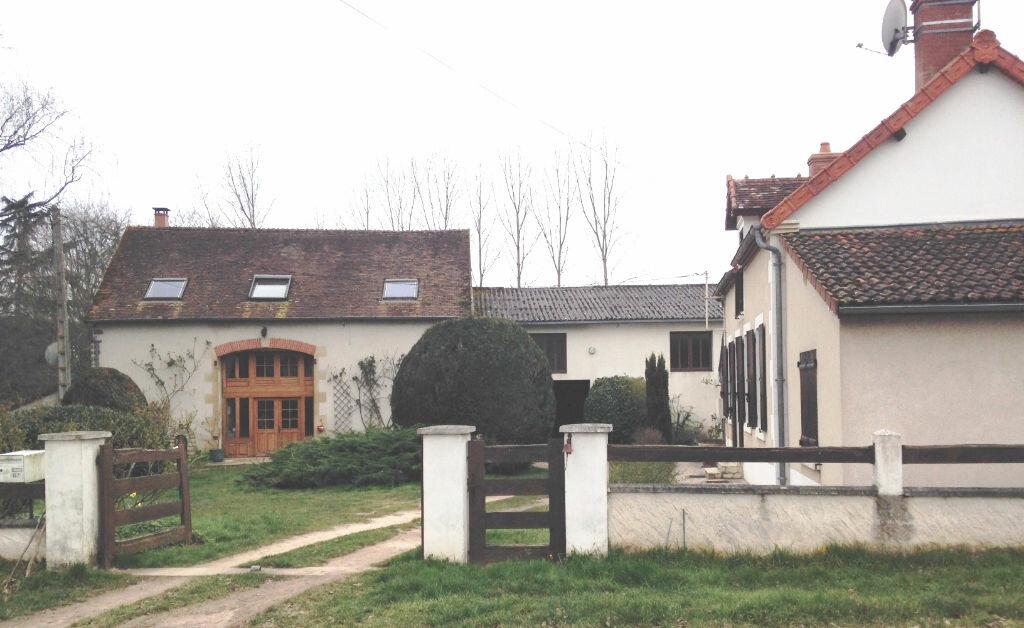 Achat Maison 8 pièces à Saint-Bonnet-Tronçais - vignette-1