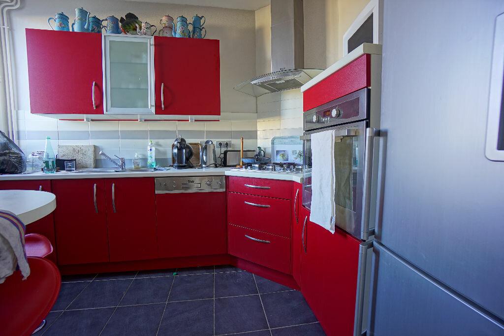 Achat Appartement 5 pièces à Néris-les-Bains - vignette-1