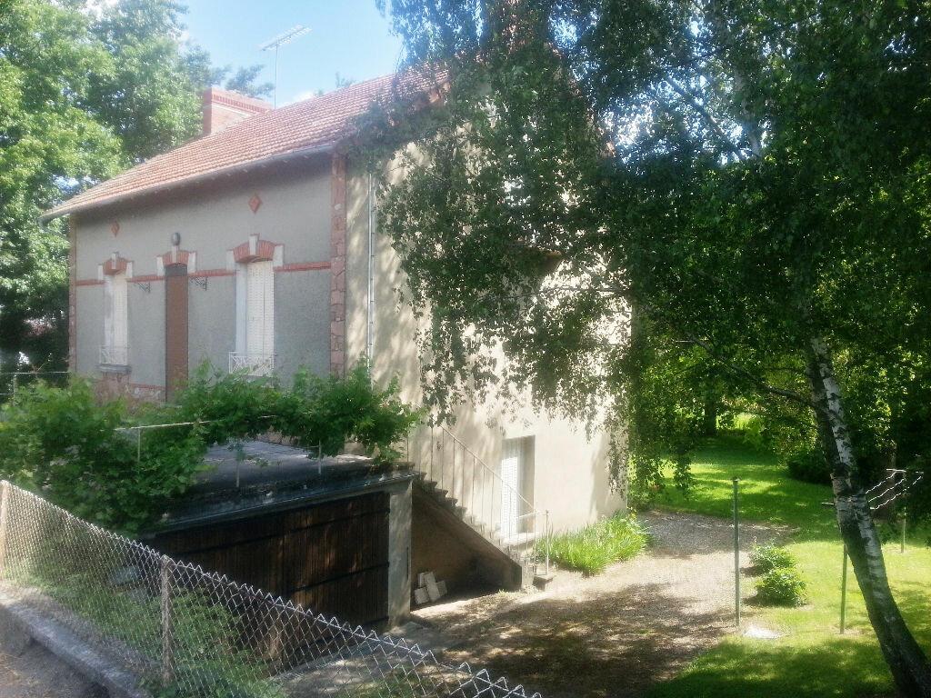 Achat Maison 7 pièces à Villefranche-d'Allier - vignette-1