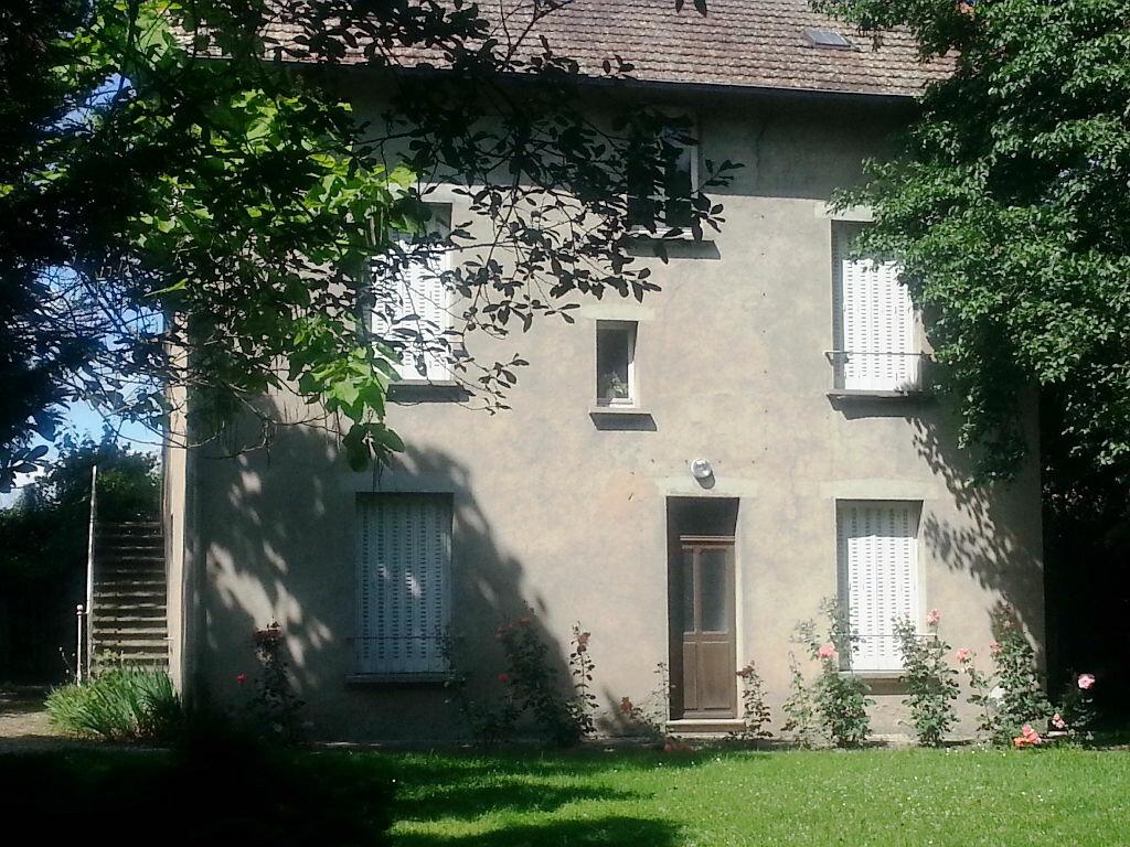 Achat Maison 7 pièces à Villefranche-d'Allier - vignette-17