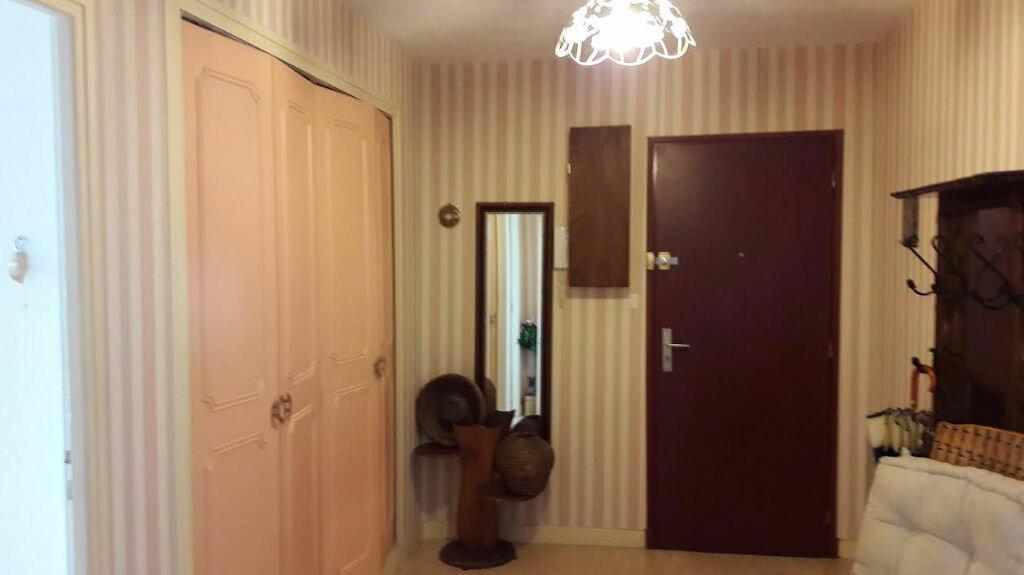 Achat Appartement 4 pièces à Montluçon - vignette-4
